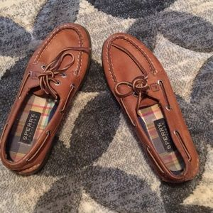 Women's brown Sperry boat shoes (size 7.5)